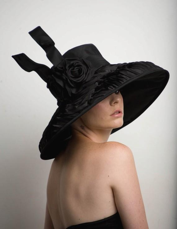 big black hat