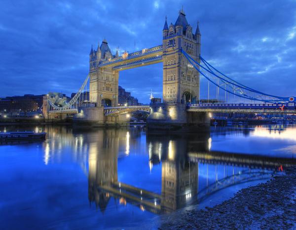 london-bridge-tower-bridge-reflection-on-the-river-thames-11_l