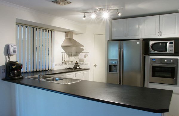 modern-kitchen-gnangarra_l