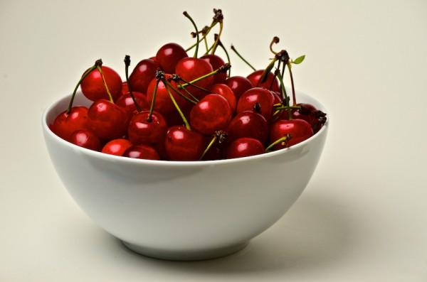 Tart-cherries-in-bowl