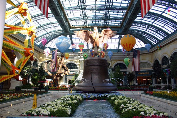Bellagio_-_Conservatory_-_Summer_2011