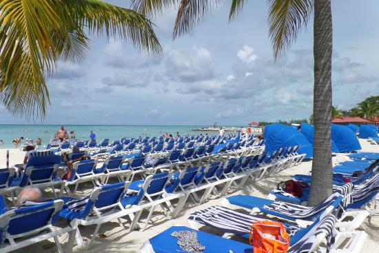 princess-cays-beach-chairs