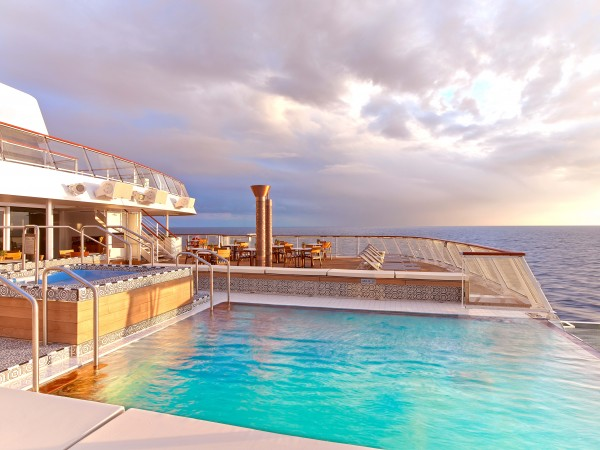 Viking Star - Infinity Pool