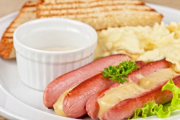 sausages with cheese and omelette