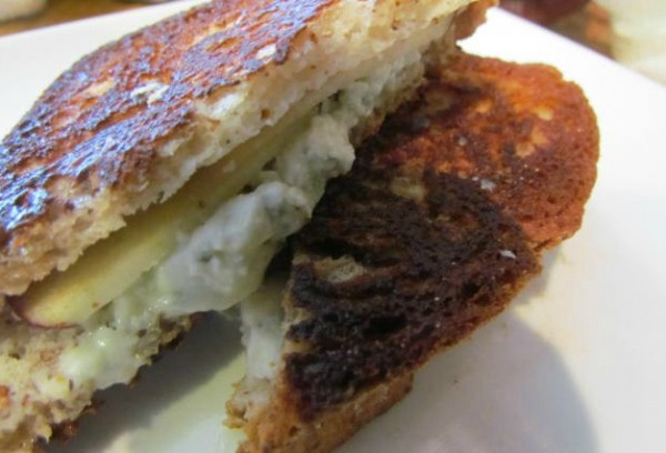 bleu-grilled-cheese