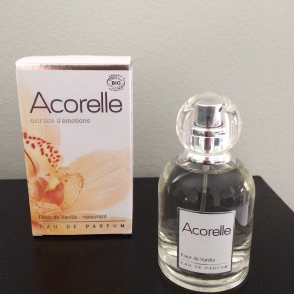 Vanilla blossom perfume