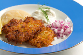 Recipe: Hanukkah Latkes (potato pancakes)