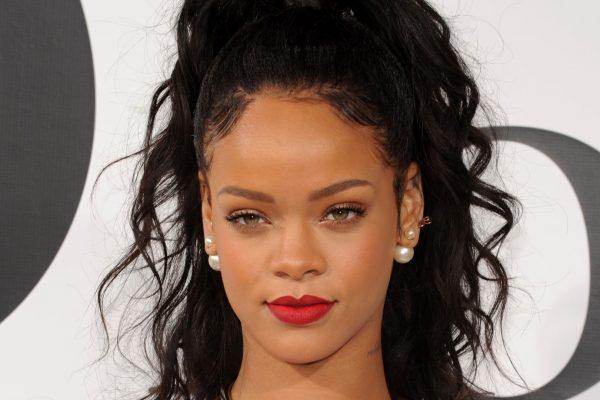 Rihanna-2013