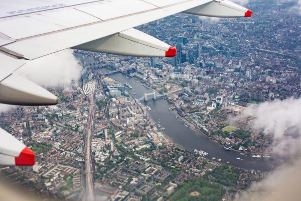 center-of-london-uk-from-the-airplane-window-picjumbo-com