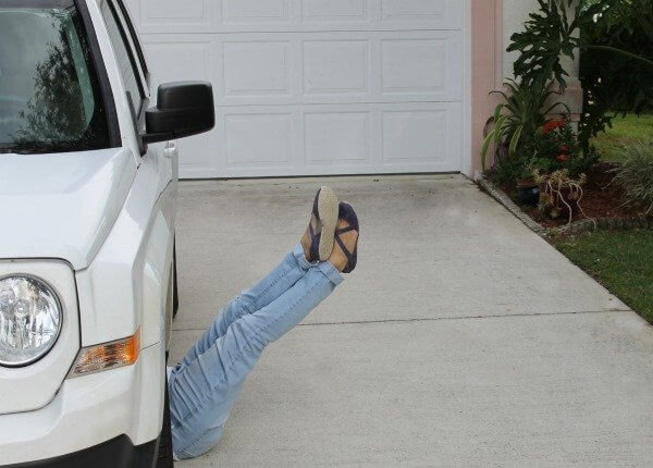 legs-up-under-car
