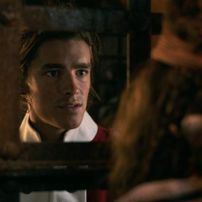 Brenton Thwaites spills the 411 on Pirates of the Caribbean