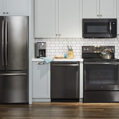We fell in love with GE's SEXY new kitchen appliances at Best Buy