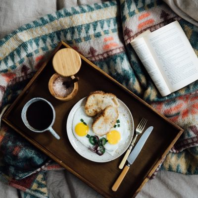 How to Do Breakfast in Bed the Right Way