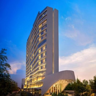Have A Relaxing Stay In Doubletree By Hilton In Ahmedabad