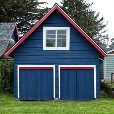 Garage Door Makeover: Advantages of Bifold Garage Doors