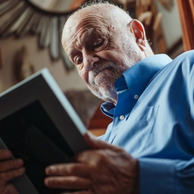 How to Support a Family Member Moving into a Care Home